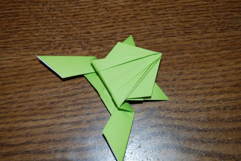 Оригами лягушка прыгающая: видео, схемы, мастер класс. Пошаговая ...
